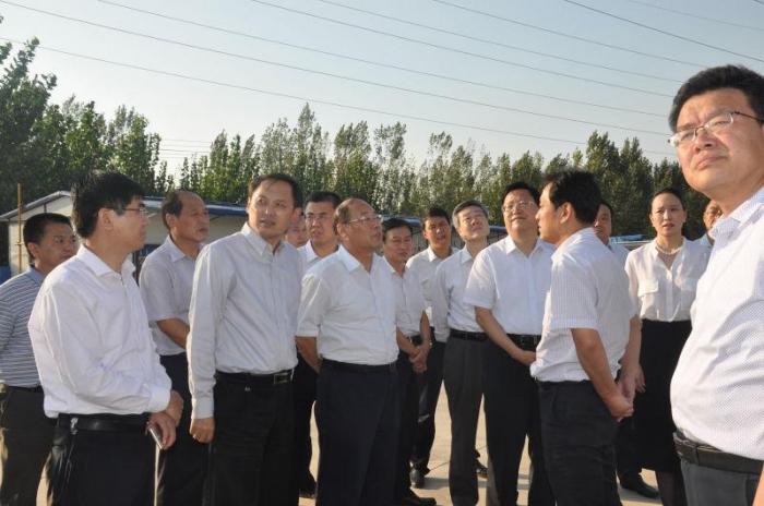 临汾市委副书记、市长刘予强莅临集团现场办公力促境外购、洋货码头项目建设顺利进行